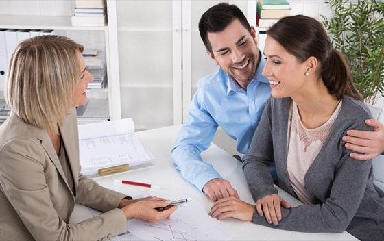 asesoramiento inmobiliario en Valencia - pareja