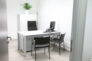 administración de fincas de despachos en Valencia - blanco