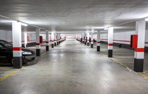 limpieza de garajes en Sevilla - rojo y gris