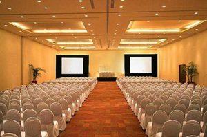 organizacion de convenciones en Valencia - salon preparado