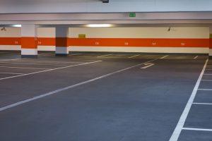 limpieza de garajes en Sevilla - suelo azul marcado