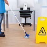 limpieza de oficinas en Sevilla - señal de precaucion