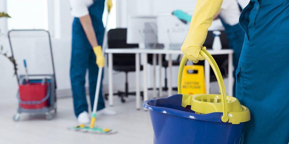 limpieza de oficinas en Valencia - cubo
