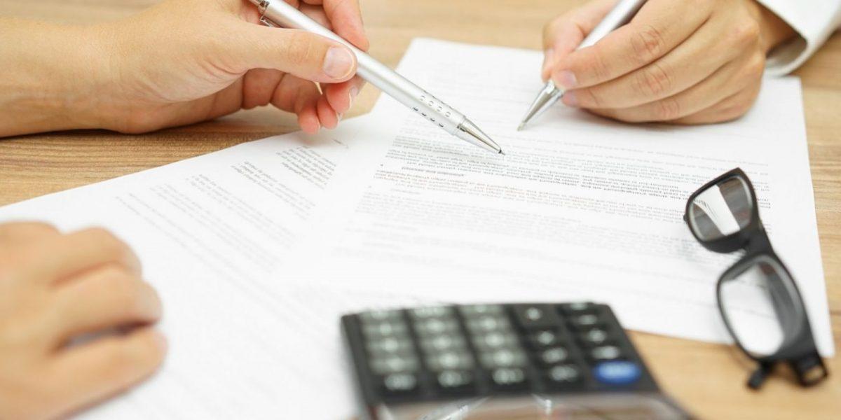 asesoria fiscal en Valencia - manos