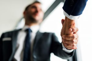 asesoría para empresas en Valencia - manos