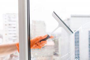 limpieza de fin de obra en Valencia - ventanas