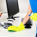 limpieza de oficinas en valencia - escritorio