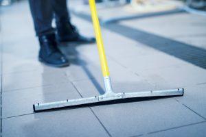 limpieza de empresas valencia - piso-min