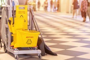 limpieza de centros comerciales valencia- carrito de limpieza